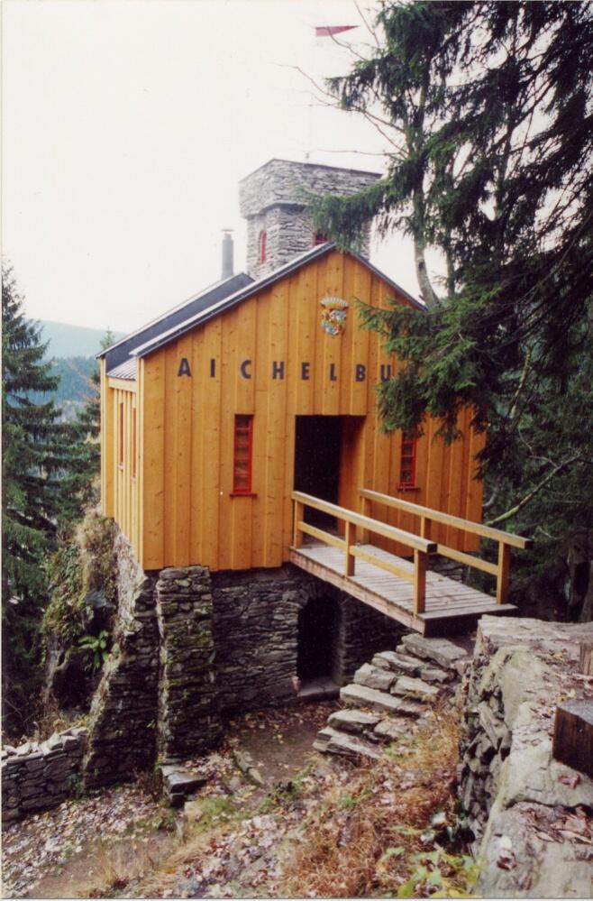 Aichelburg | Pension & kavárna Pod sv. Annou